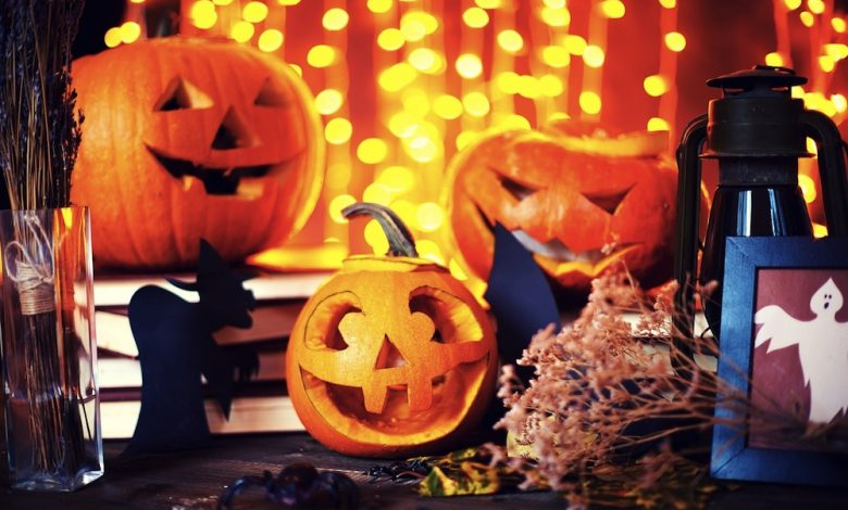 Photo of 7 Must Have Halloween Accessories