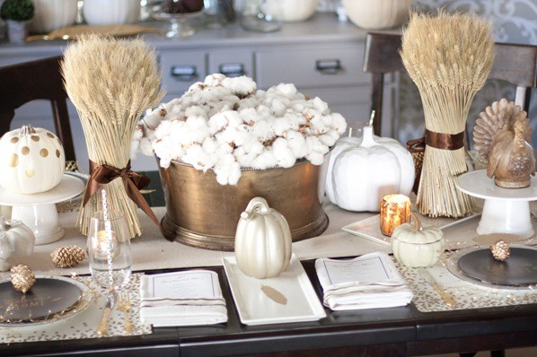 black-and-gold-tablescape-29_thumb