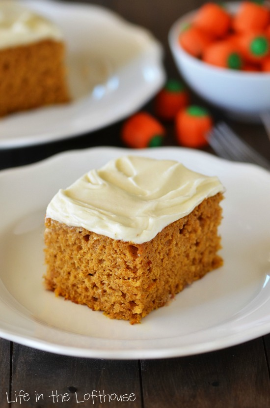 pumpkin_cake_2_lifeinthelofthouse-e1413389410110