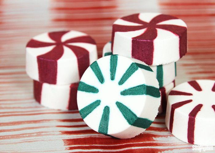 peppermint-candy-bath-bomb