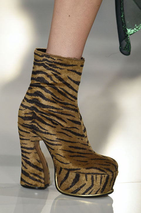 elle-winter-trends-margiela-platforms-gettyimages-513772068