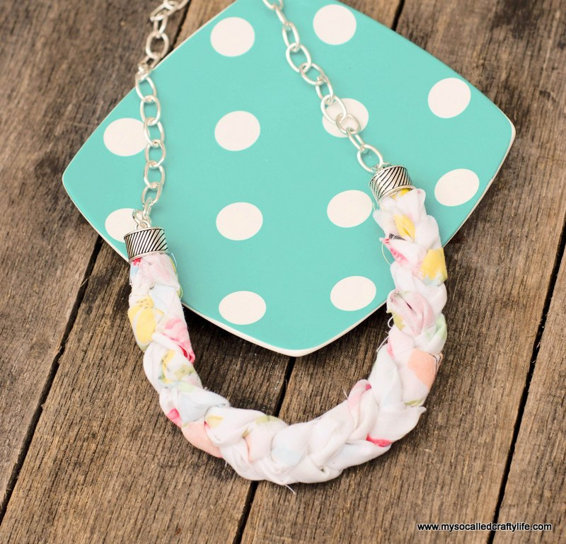 diy-braided-fabric-necklace