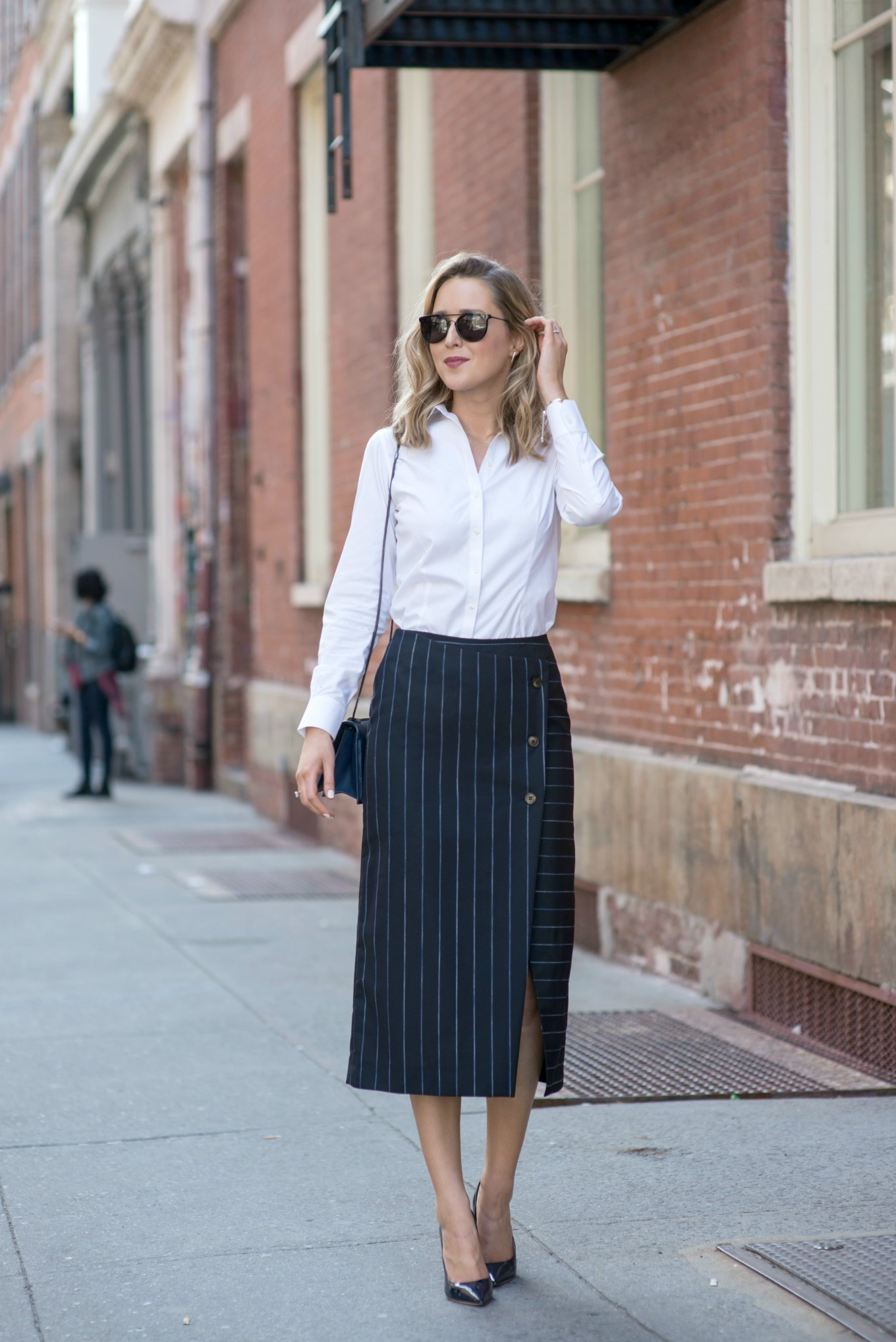 navy-pinstripe-midi-pencil-skirt-collared-button-down-shirt-jimmy-choo-classic-pumps-work-office-wear-style-fashion-blog11-680x1019@2x
