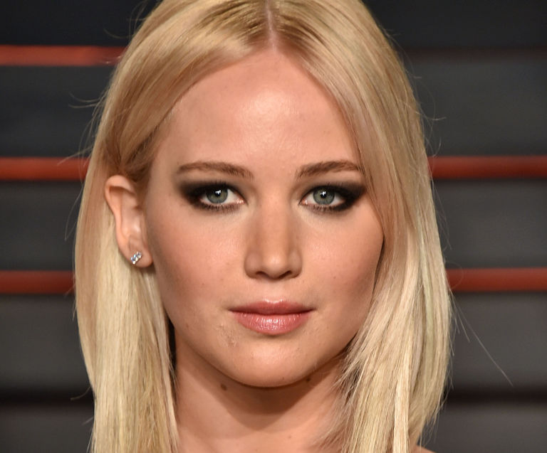 gallery-1466108880-j-law-rs