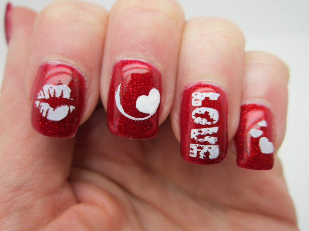 - Easy, Sweet & Cute Red Nails Design - ZoomZee